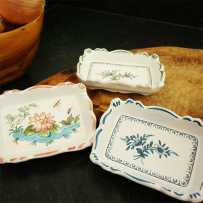 Ceramic catch all tray crafted in Moustiers