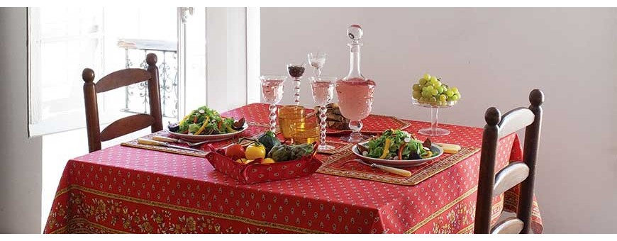 Our decorative canvas bread baskets match with elegant tablecloths!